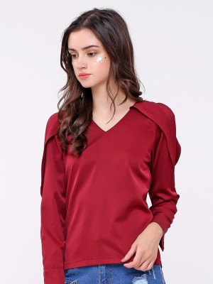 Hole-Shoulder Top