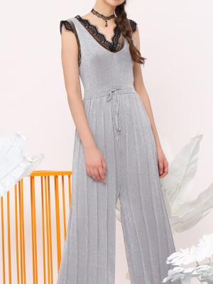 Velvet V Laces Neckline Sleeveless Top