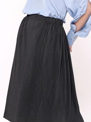 Pleated Back Slit Midi Skirt