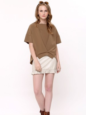 Asymetric V Pleated Top
