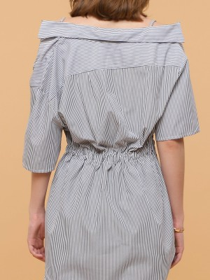 Front Twist Stripes Long Collar Top