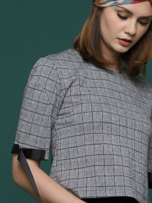 Sleeves Buckle Checkered Top