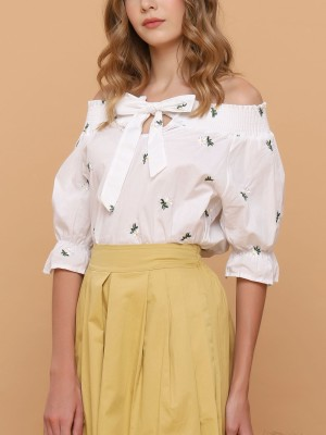 Tiny Flower Scattered Embroidered Top
