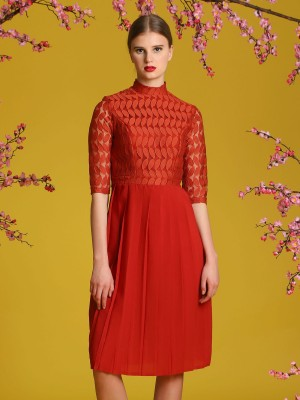 Upper Leaves Laces Pleated Dress