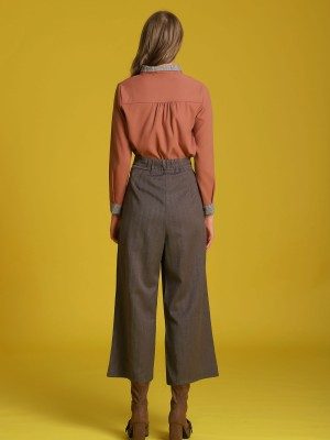 Checkered-Collar Long Sleeveles Shirt