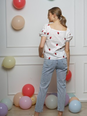 Strawberry Embroidered Puff Sleeve Top