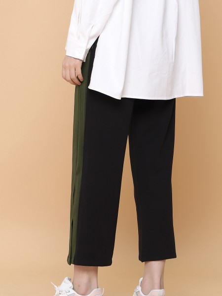Thick Outline Loose Pants